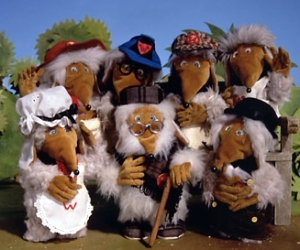 The Wombles. Picture courtesy of http://uk.images.search.yahoo.com/r/_ylt=A0PDoXqD2UZRWVUA8HZWBQx.;_ylu=X3oDMTBtdXBkbHJyBHNlYwNmcC1hdHRyaWIEc2xrA3J1cmw-/SIG=12b85ntt9/EXP=1363626499/**http%3a//nostalgiacentral.com/television/kids/wombles.htm