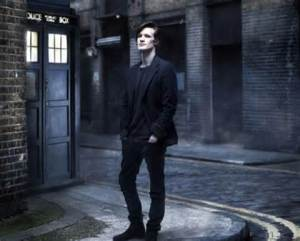 Matt Smith and Tardis courtesy of unicornsandligers.wordpress.com.