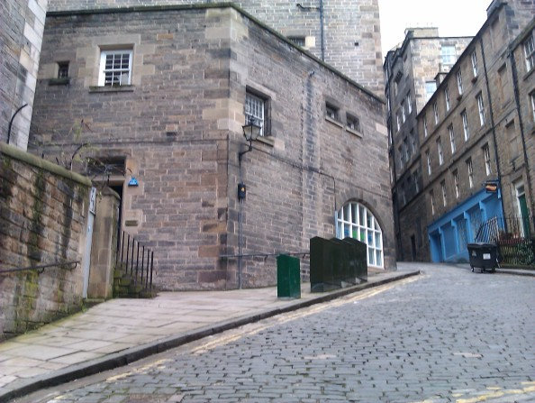 A lonely quiet wynd in Edinburgh taken by the author Darren Greenidge