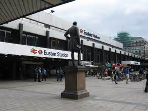 Description Euston Station London - Courtesy of geograph.org.uk -  en.wikipedia.org